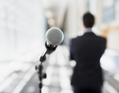 Josh Peace Looks at How to Become a Confident Speaker
